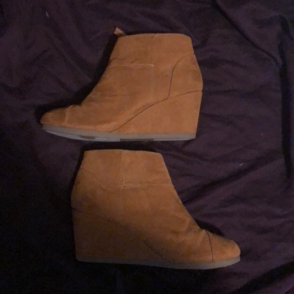 attention Shoes - wedges